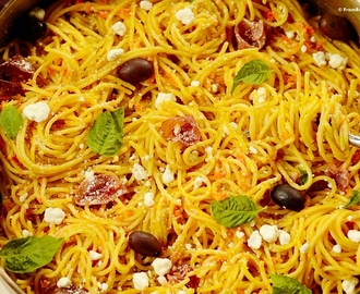 Guest Post : Denise from From Brazil To You featuring Carrot Spaghetti with Prosciutto and Goat Cheese