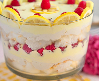 Skinny Lemon Raspberry Cheesecake Trifle