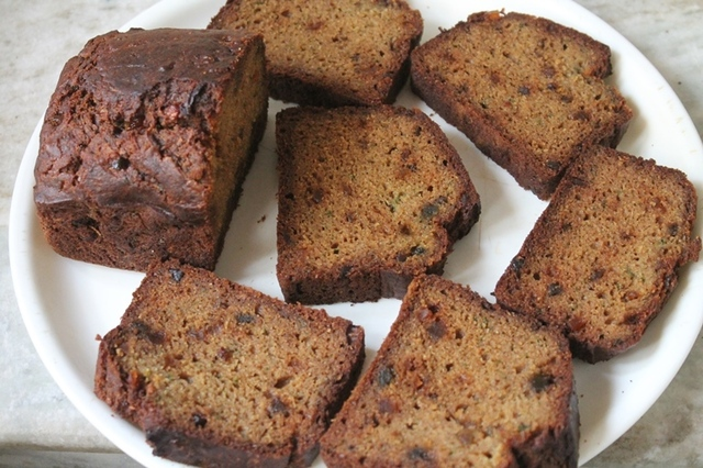Whole Wheat Zucchini Bread Recipe - Healthy & Moist Zucchini Bread Recipe