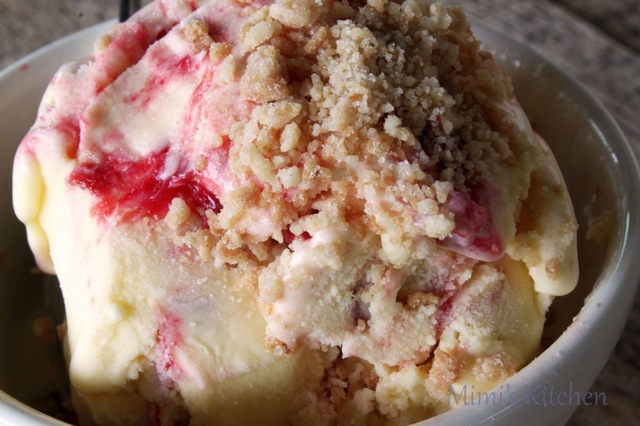 Strawberry Rhubarb Pie Ice Cream
