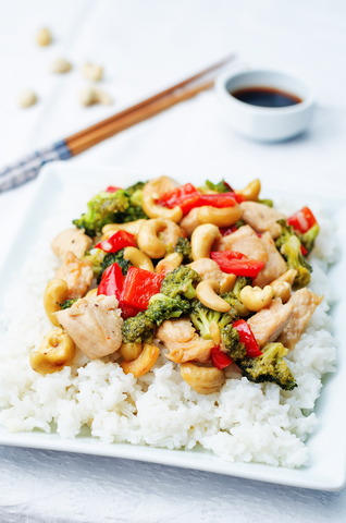 Chicken Stir Fry with Red Pepper Broccoli and Cashew Nuts