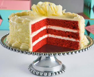FOOD FRIDAY - RED VELVET CAKE