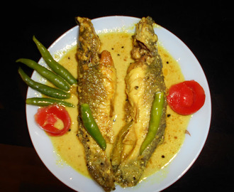 Tangra Macher Jhal / Tangra Fish With Mustard And Poppy Seeds Gravy