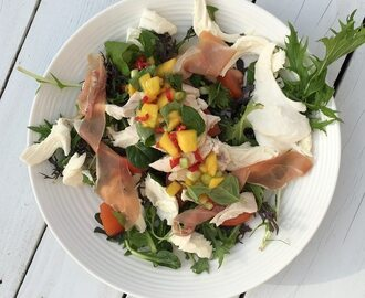 Mango, mozzarella and prosciutto salad with lime and ginger dressing