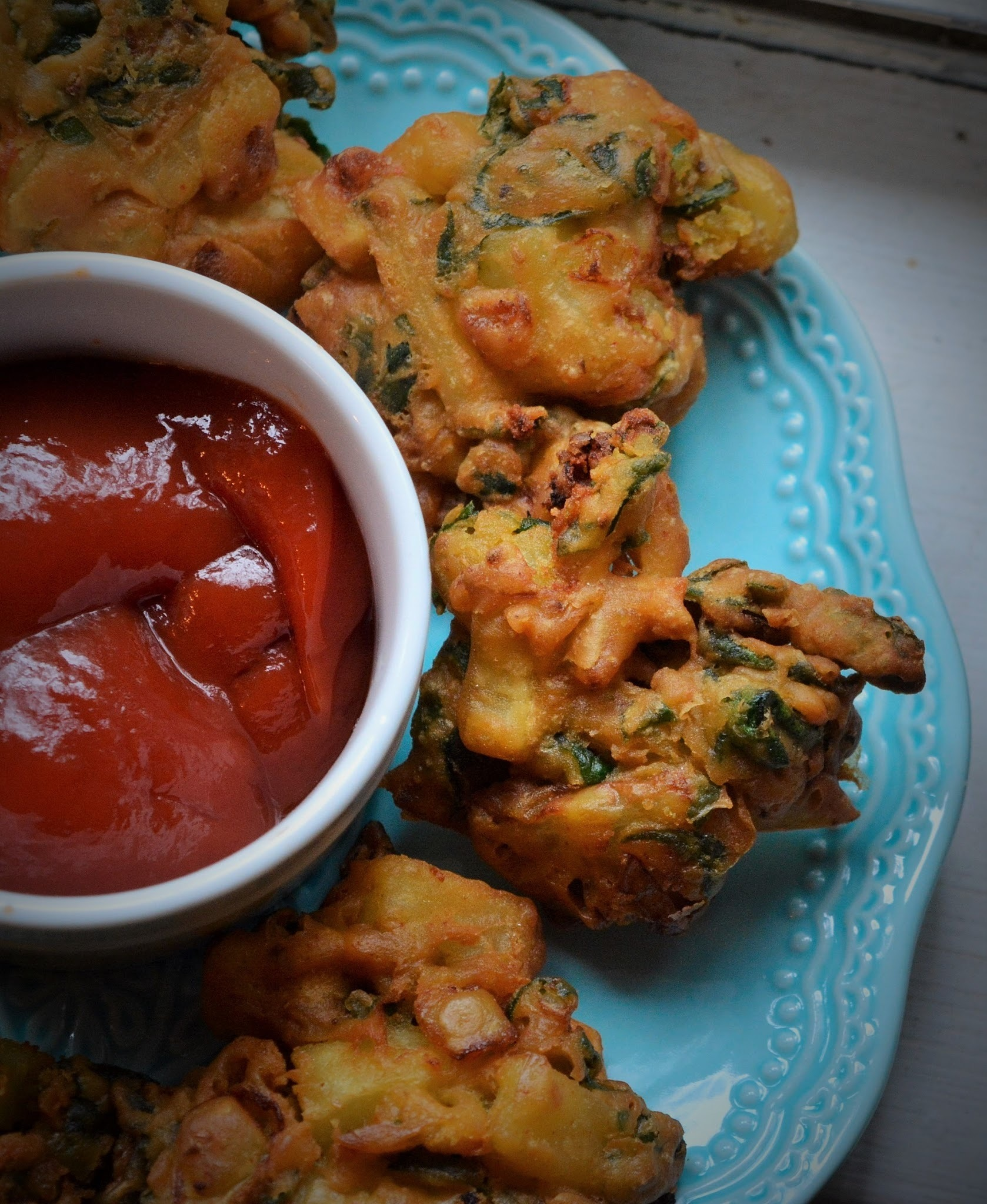Mixed Vegetables Fritters (Pakoras)