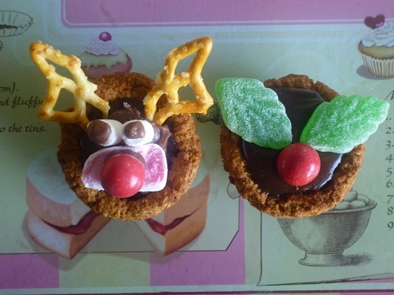 Christmas Chocolate Cups