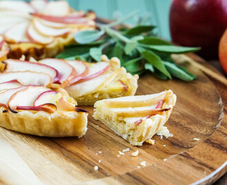 #BrunchWeek: Apple and Caramelized Onion Tart