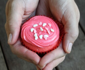 Happy Valentines Day - Love Cupcakes