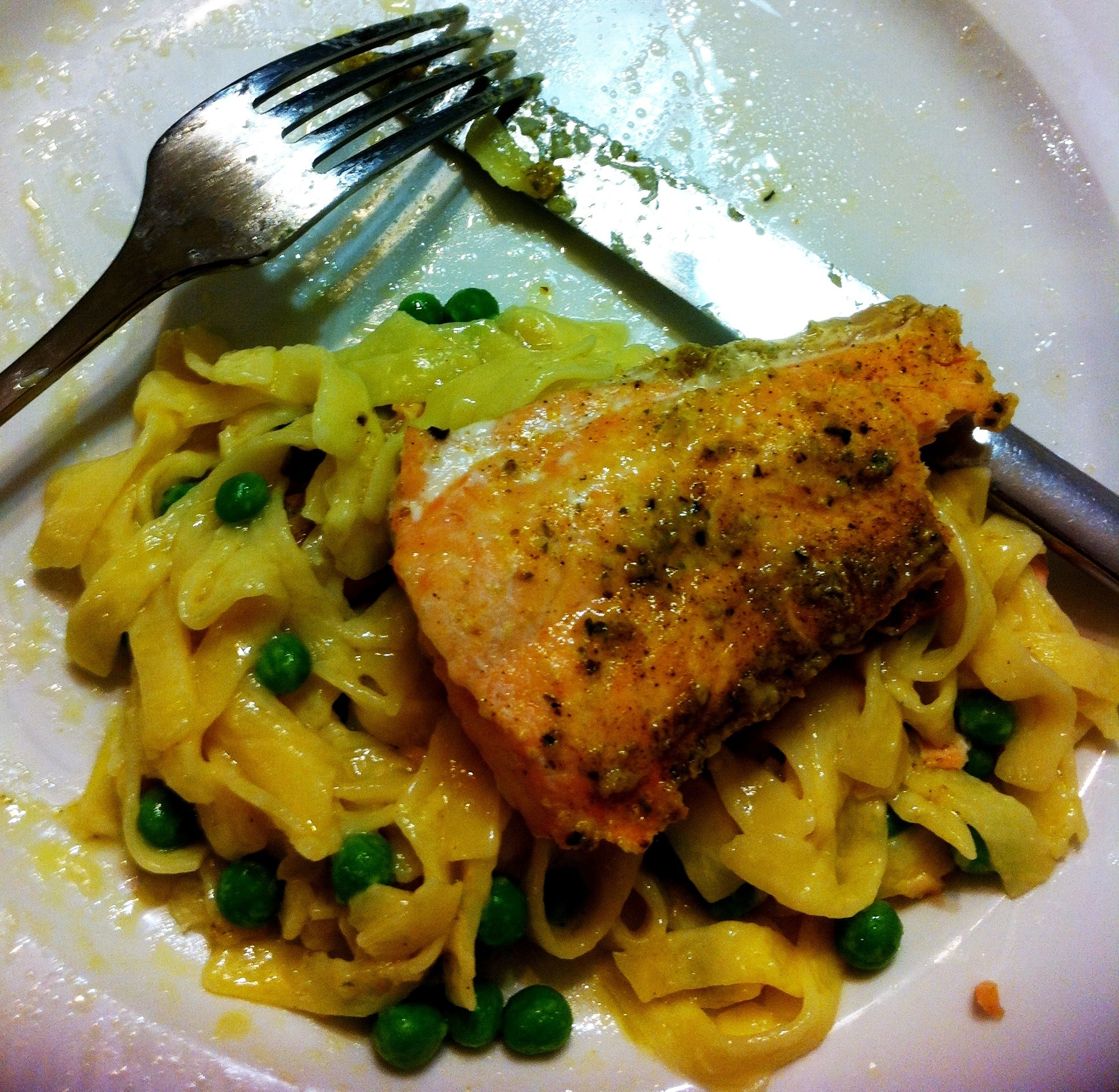 Creamy Pasta with Salmon & Peas