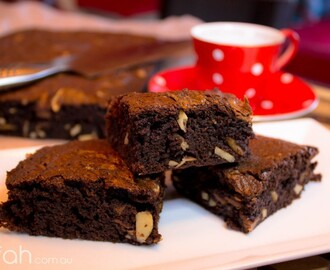 Recipe: The Best Ever Brownies {Ask Sarahs' Decadent Brownies}
