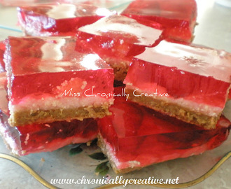 Crafty Fridays: Strawberry Jelly Slice {Valentine's Day Baking}