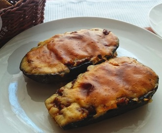 "Greek ""little shoes"" - stuffed eggplants (Papoutsakia)"