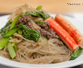 Korean Sweet Potato Noodles / Japchae