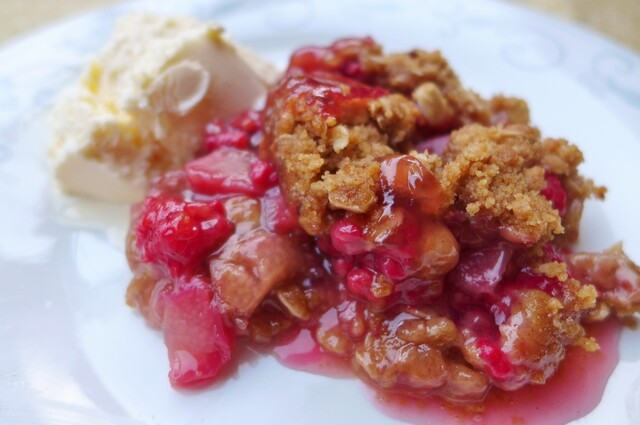 Raspberry Rhubarb Crunch