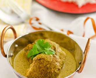 Aromatic Chicken with Yoghurt Sauce