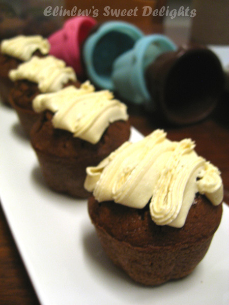 Chocolate Coffee Cupcakes With Bailey's Buttercream Frosting