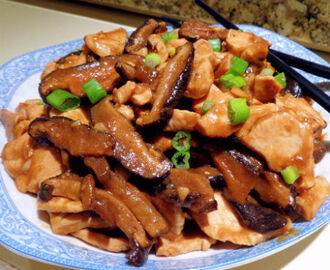 Chinese-Style Chicken with Dried Mushrooms