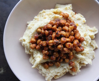 Roasted Chickpea and Garlic Mash