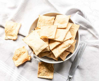Homemade crackers with rosemary and sea salt