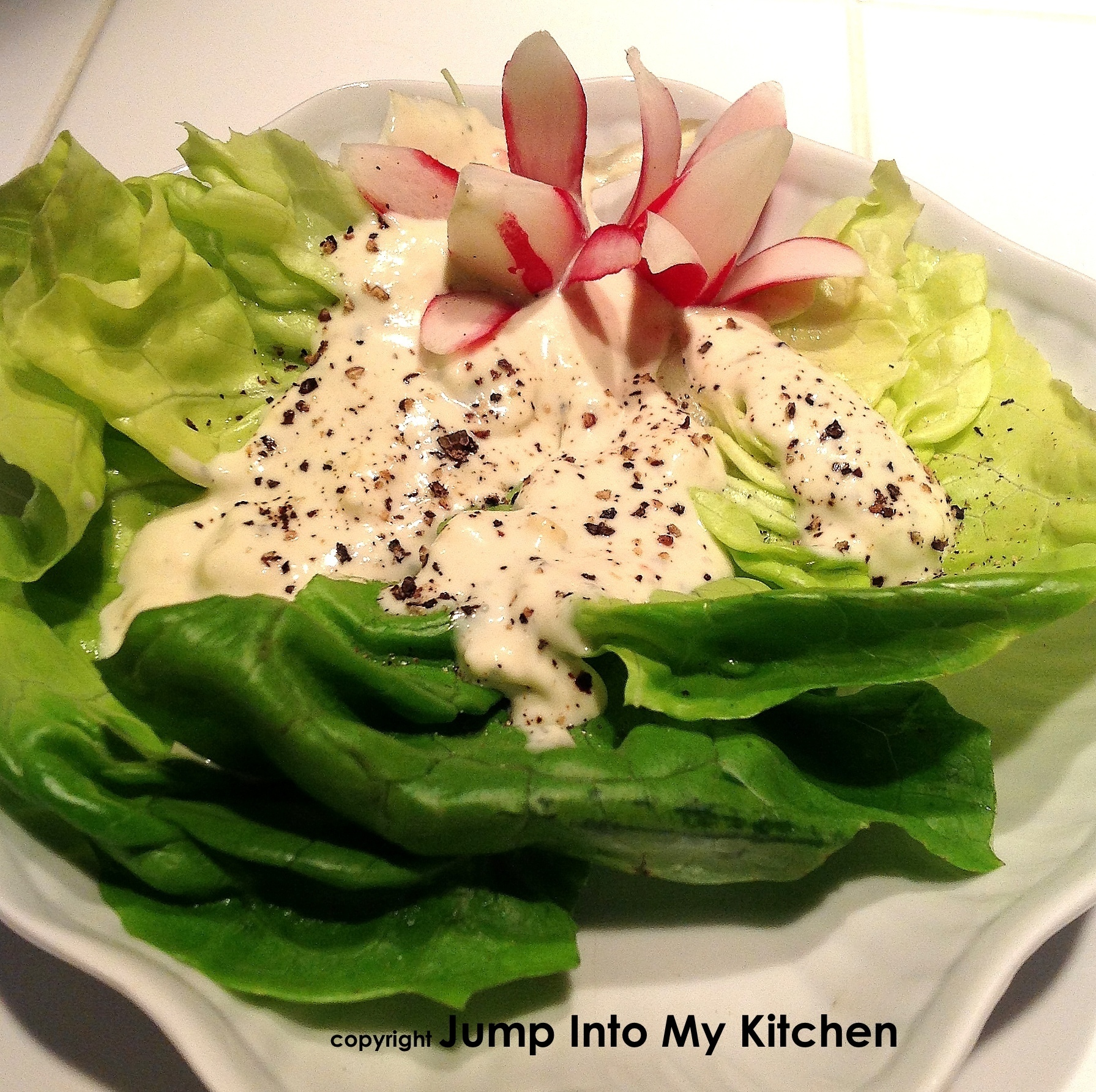 Boston Salad with Blue Cheese Dressing