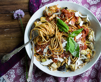 Whole Wheat Spaghetti Alla Norma {with roasted eggplant}