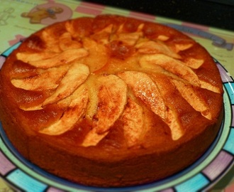 Old-Fashioned Apple Tea Cake