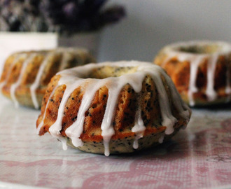Mini Banana and Poppy Seed Bundt Cakes