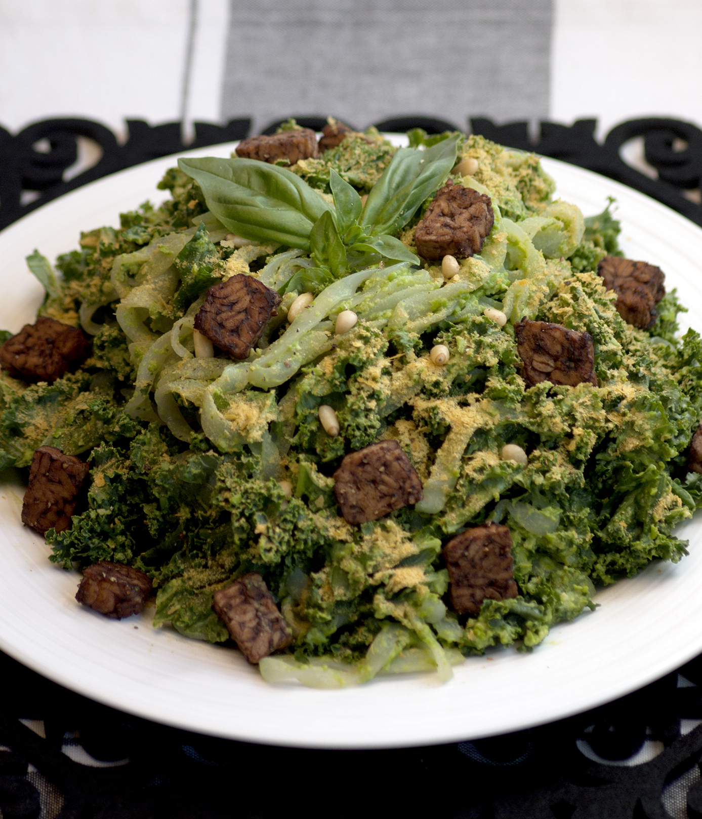 Pea Pesto Kale Pasta with Balsamic Pepper Tempeh Nuggets