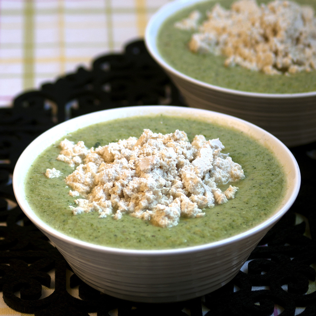 Almond & Broccoli Soup with Tofu Crumble