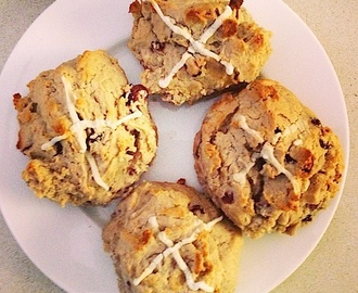 Weekend Recipe(s!) - Healthy Hot Cross Buns + Easter Cacao Mocha