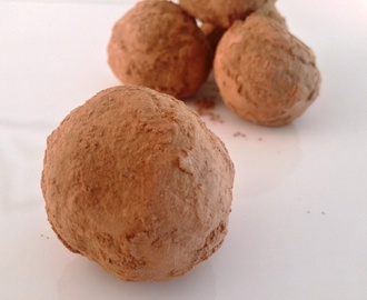 Honey nougat goji cashew cacao ball delights