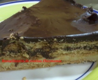 Tarta de chocolate y galleta de la abuela en la thermomix