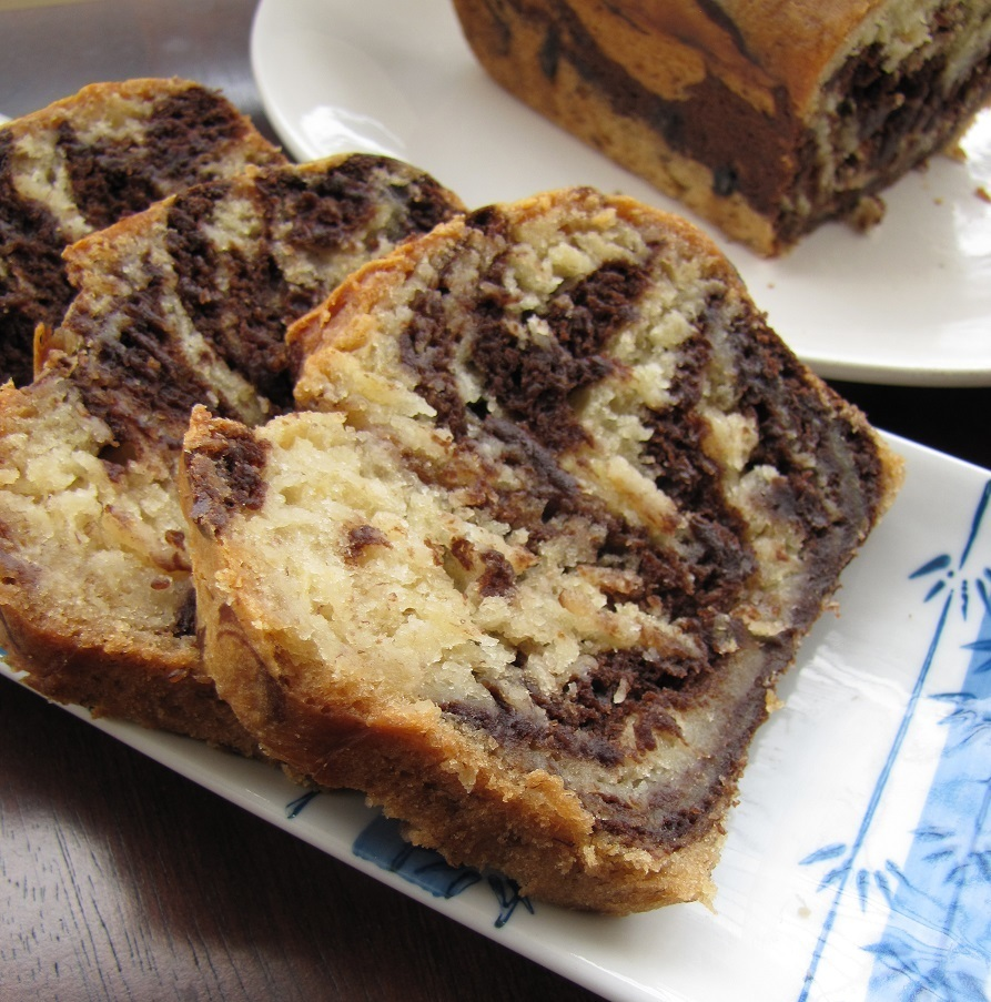 Eggless Chocolate Banana Marble Cake