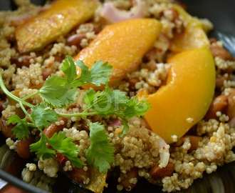 Pumpkin Kidney Beans and Quinoa Salad  ( Vegan Lunch Diaries )