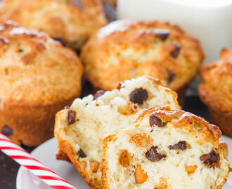 Peanut Butter and Chocolate Chip Muffins