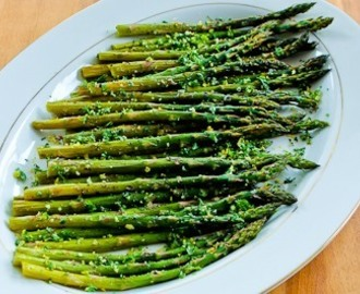 Easy and Amazing Roasted Asparagus with Gremolata