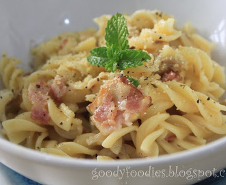 Quick Lunch: Fusilli pasta carbonara