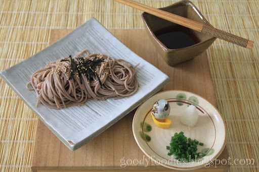 Quick Lunch: Japanese cold soba with quail's egg