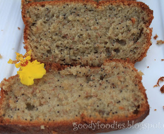 I baked: Banana and poppy seed loaf