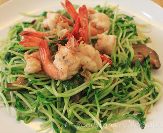 Recipe: Stir Fried Tau Miu (豆苗) with Prawns