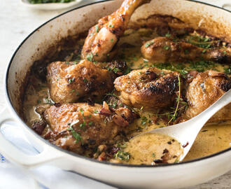 Creamy Chicken in White Wine Sauce (with Bacon!)
