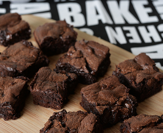 Best Chocolate Brownies (Kirsten Tibballs)