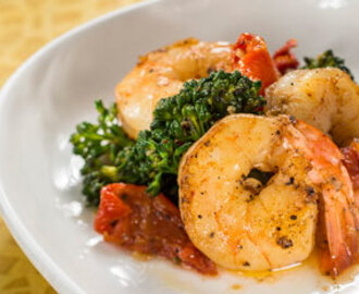 Garlic Shrimp with Tomatoes, Lemon, and Broccoli Rabe
