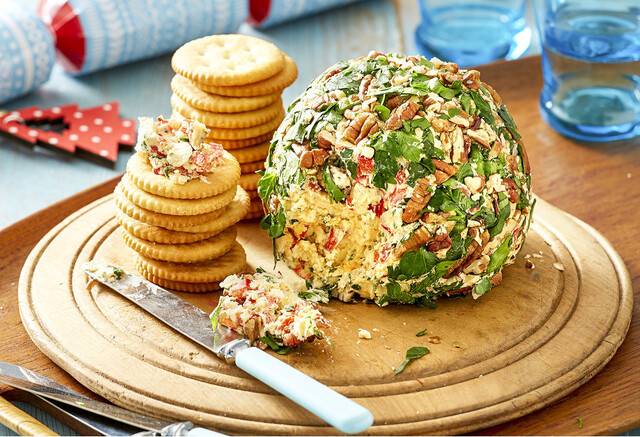 Christmas cheese ball