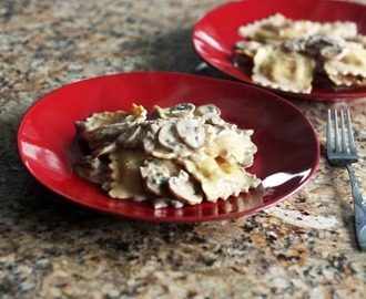 Mushroom Cream Sauce with Ravioli