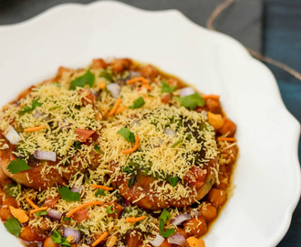 Chole Tikki Chaat Recipe | Tikki Chaat With Channa Masala | Aloo Tikki Chaat With Chole
