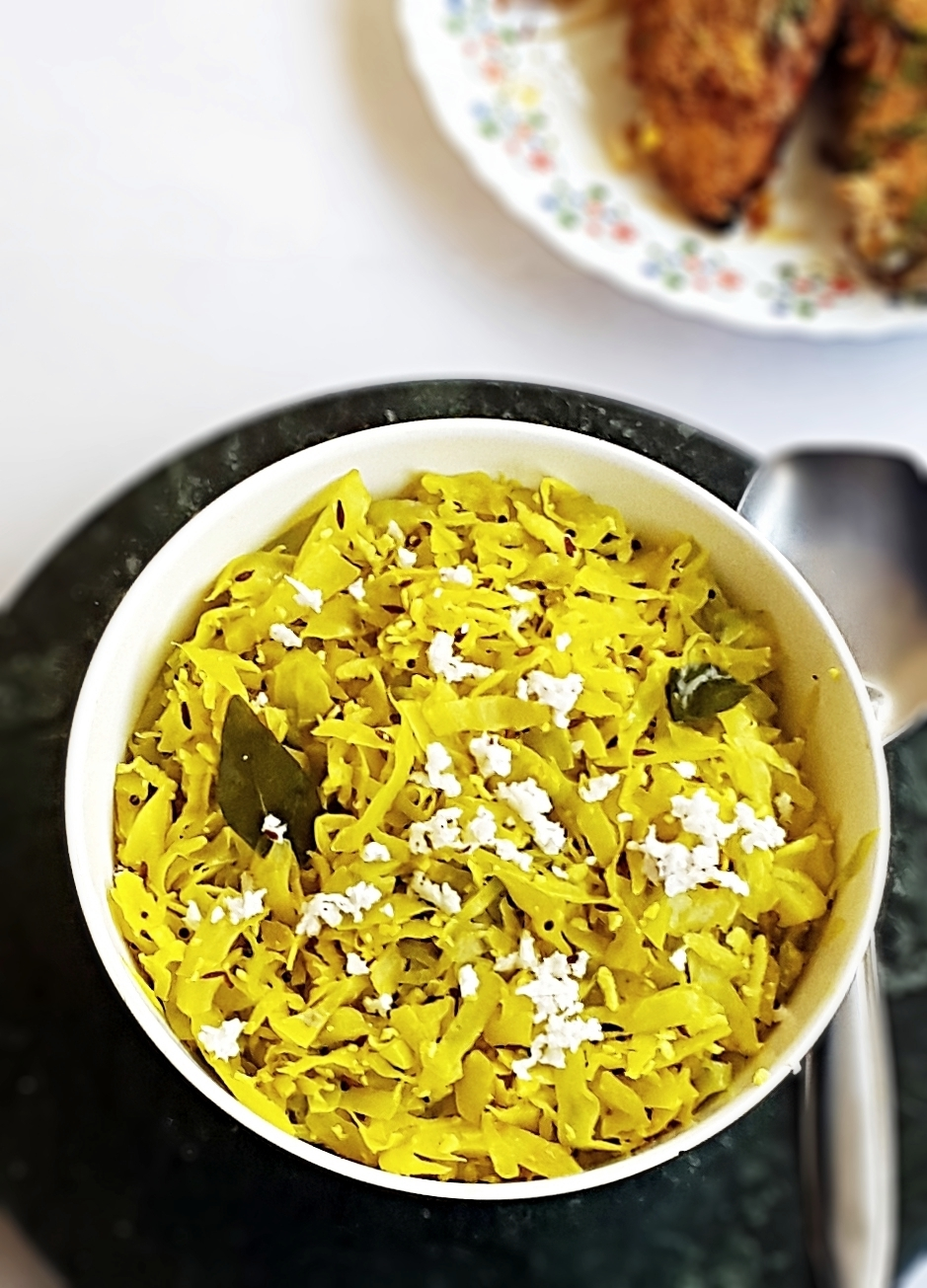 Cabbage thoran recipe – Kerala style stir fry cabbage with coconut