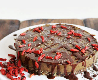 AVOCADO CHOCOLATE MOUSSE CAKE with GOJI BERRIES