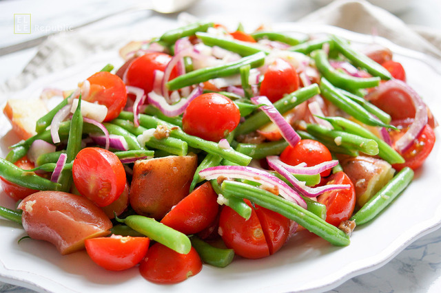 New Potato Salad with Green Beans and Cherry Tomatoes