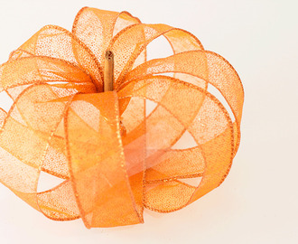 Quick Fall Craft: DIY Ribbon Pumpkin